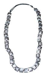 Collana quadrati in alluminio