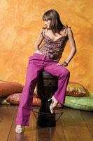 Pantalone in cotone.  Taglia: S; M; L; XL. Nero, bianco, viola, arancio.